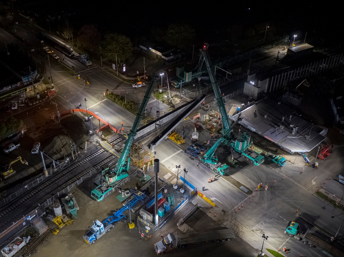Beam being lifted into place at the Manchester Road level crossing removal site
