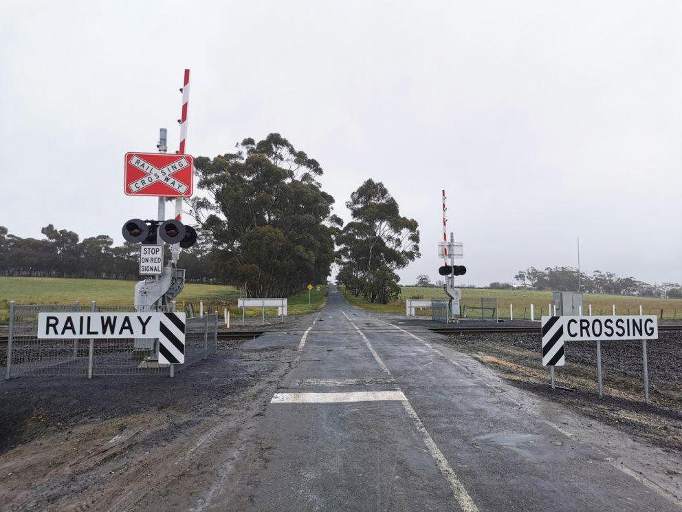 Upgraded level crossing